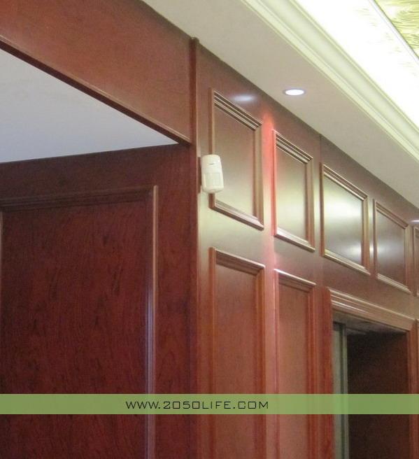 一楼过道红外广角探测器(当安防系统布防时,以检测是否有人在探测范围内活动)